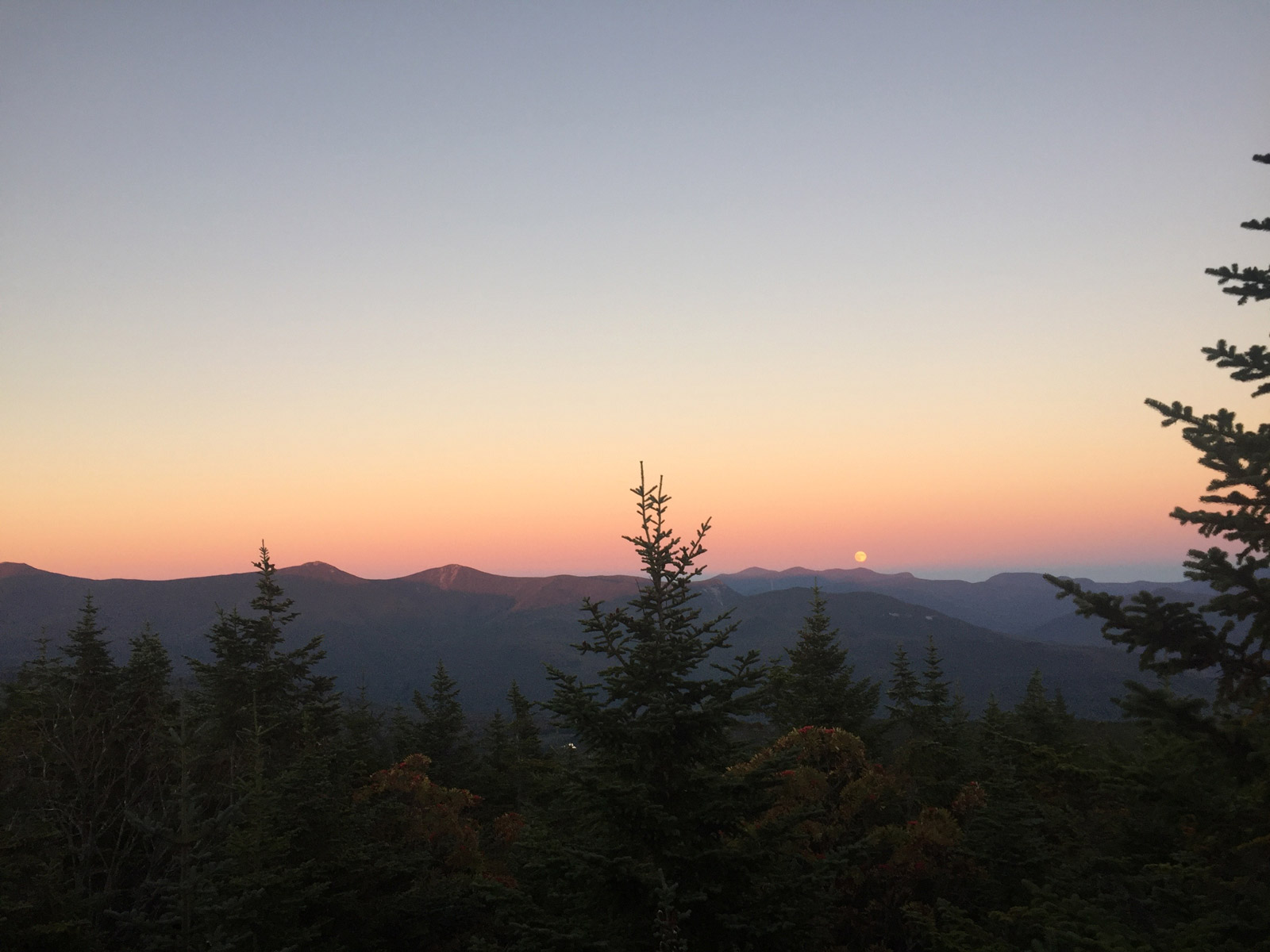 A supermoon over Franconia Ridge, White Mountains, New Hampshire - HikerFeed